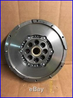 Fitted Luk Dual Mass Flywheel For Ford Transit 2.4 415038810 415 0388 10